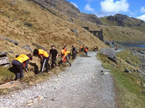 Volunteering-footpath-work-Snowdon